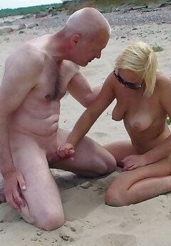 Cuckold Beach Pics