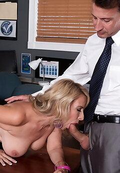 Cuckold Boss Pics